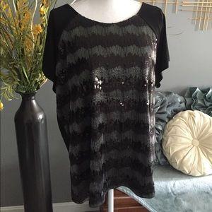 Tops - Short sleeved sequin blouse